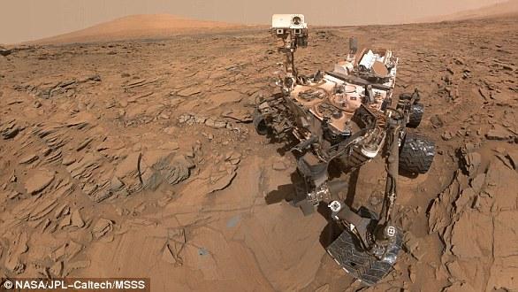 En 2012, Curiosity (en la foto) serpenteaba sobre un antiguo lecho marino marciano cuando examinó una serie de rocas que estuvieron expuestas a agua líquida hace miles de millones de años.