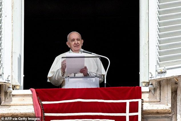 El Papa Francisco ha anunciado un mes 'maratón' de oración a lo largo de mayo con el objetivo de acabar con la pandemia de Covid-19