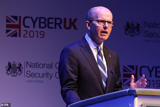Jeremy Fleming, Director de GCHQ, pronuncia un discurso de apertura en el Centro Nacional de Seguridad Cibernética, 2019