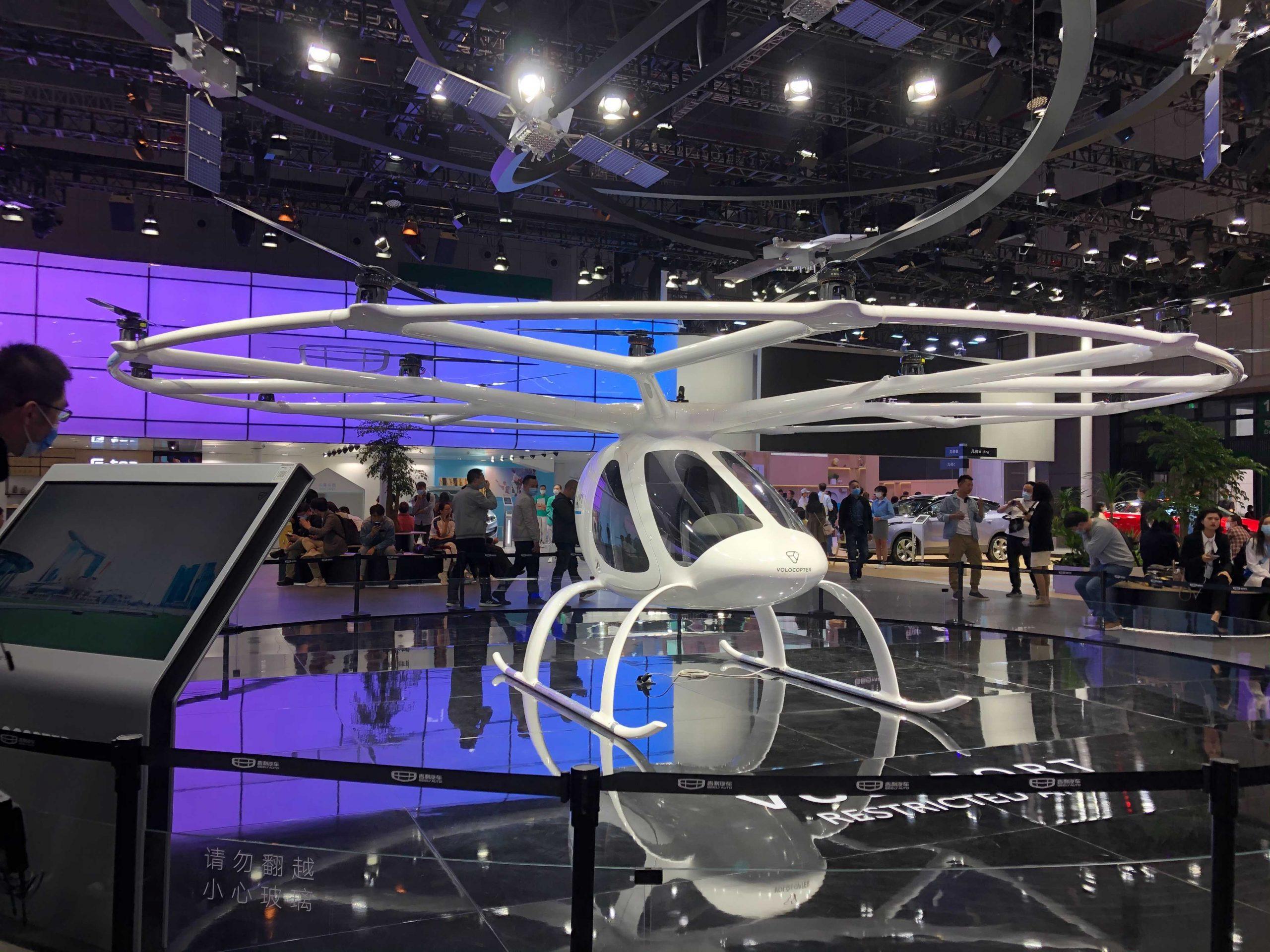 Los fabricantes de automóviles muestran autos voladores en Shanghai, pero BYD respaldado por Warren Buffett se mantiene al margen