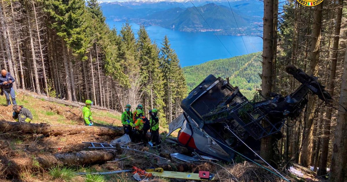 Accidente de teleférico italiano deja nueve muertos y dos niños heridos