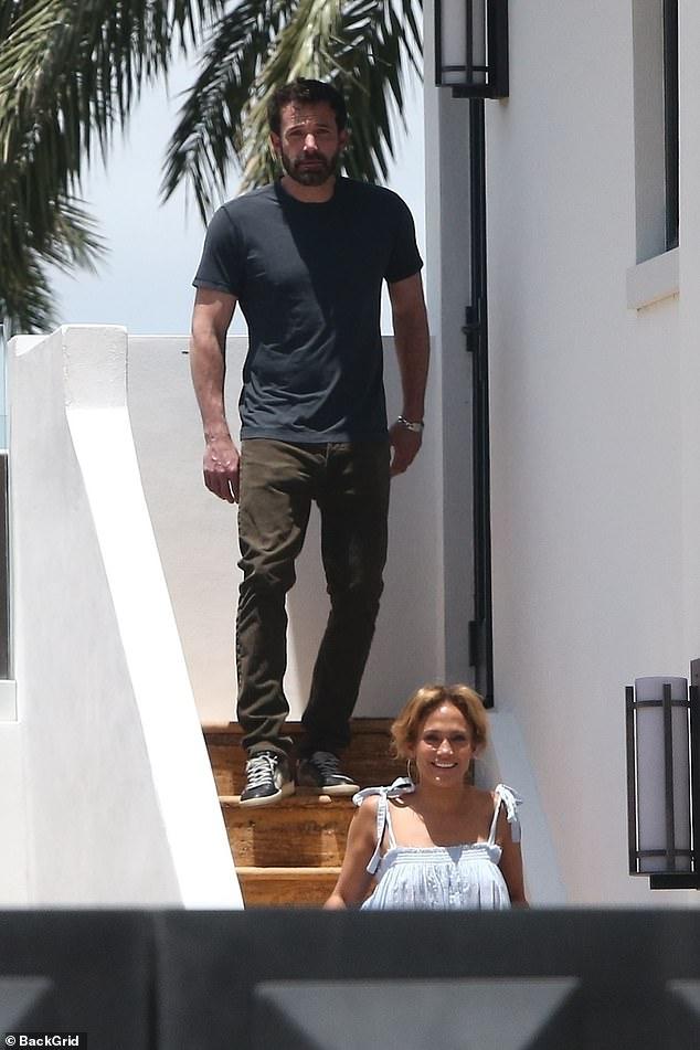 Nada falso: Ben Affleck voló a la costa este para estar al lado de Jennifer Lopez durante un tiempo a solas cerca de su casa en el sur de Florida.