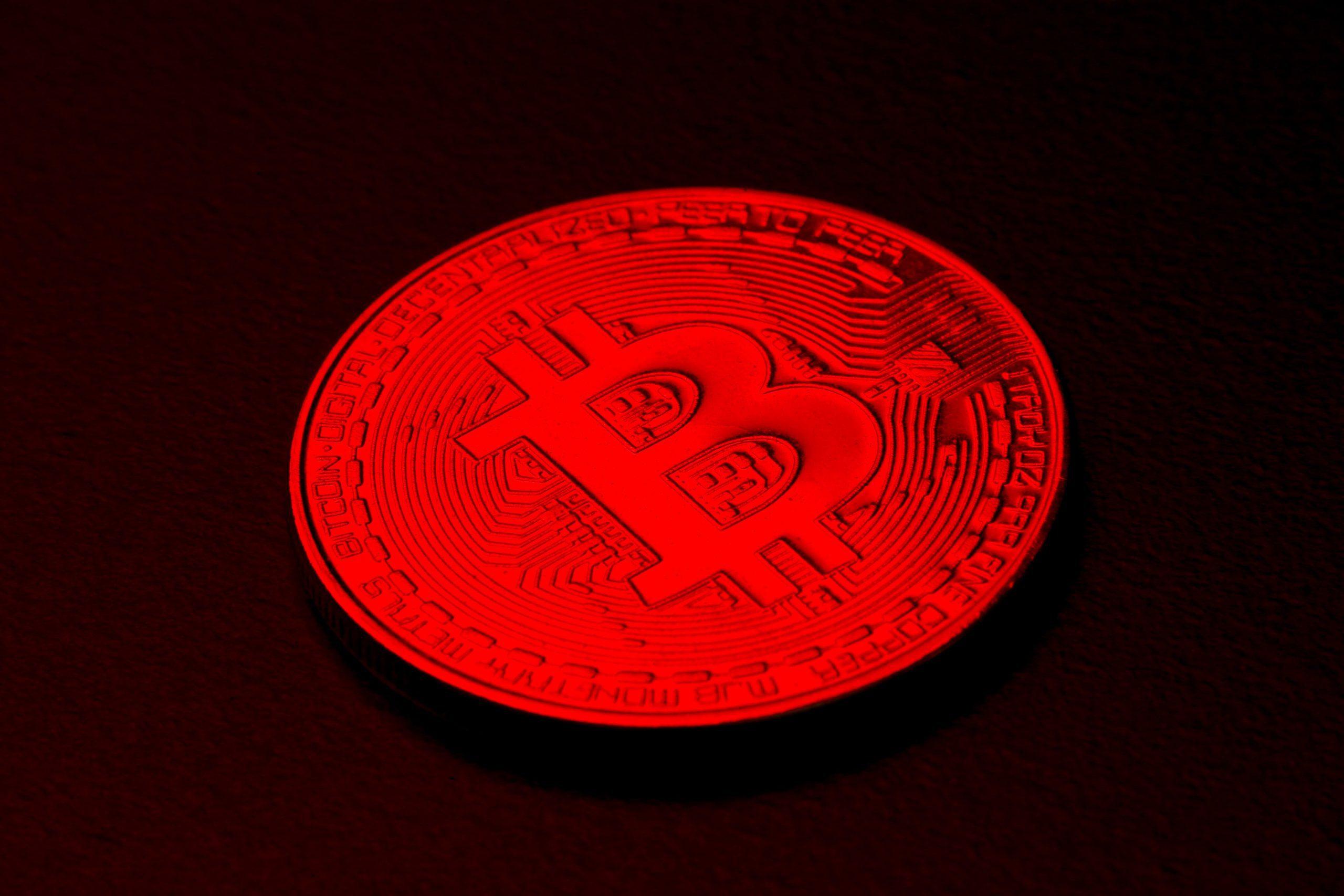 Bitcoin reanuda la venta masiva durante el fin de semana, cae brevemente por debajo de los $ 33,000