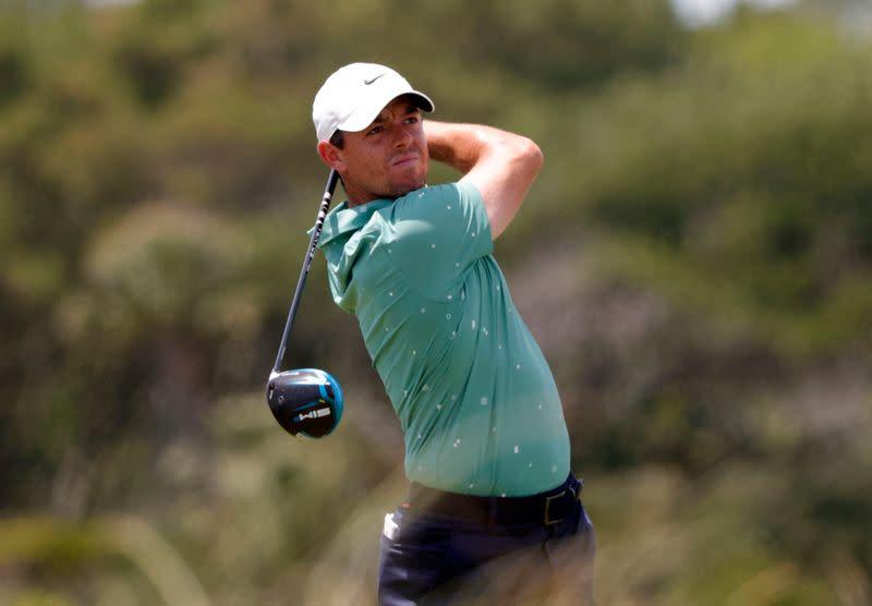 Golf-McIlroy lamenta mala conducción, par cinco 'asesinos' después de una mala PGA