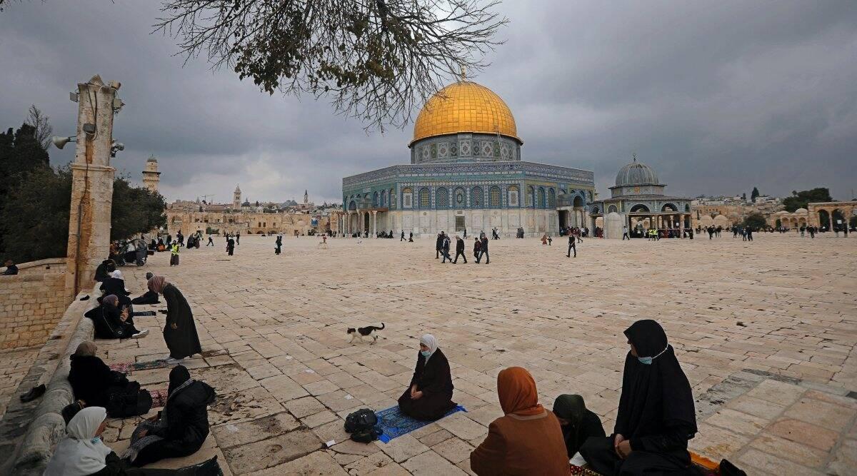 La policía israelí permite que los judíos visiten el sitio de Jerusalén del flashpoint