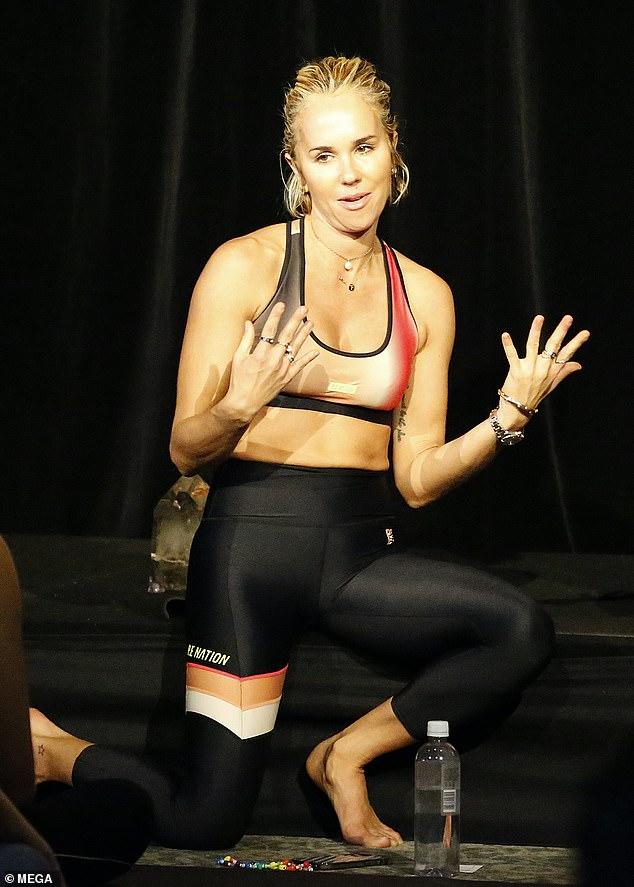 Popular: Pip Edwards (en la foto) continuaba su viaje de cuidado personal el domingo.  La diseñadora de 41 años participó en un evento para su marca de moda, PE Nation, en Brisbane.