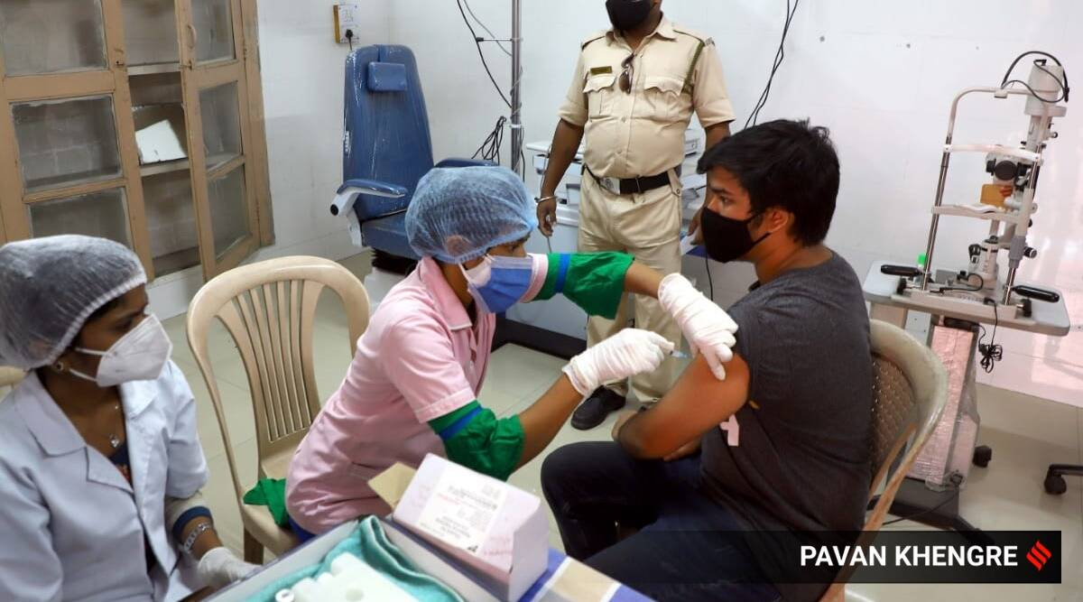 covid vaccination, covid vaccination dos and don'ts, covid vaccine what to do, how to register for covid vaccine, what to wear to vaccination center, covid vaccination protocol, indianexpress.com, indianexpress