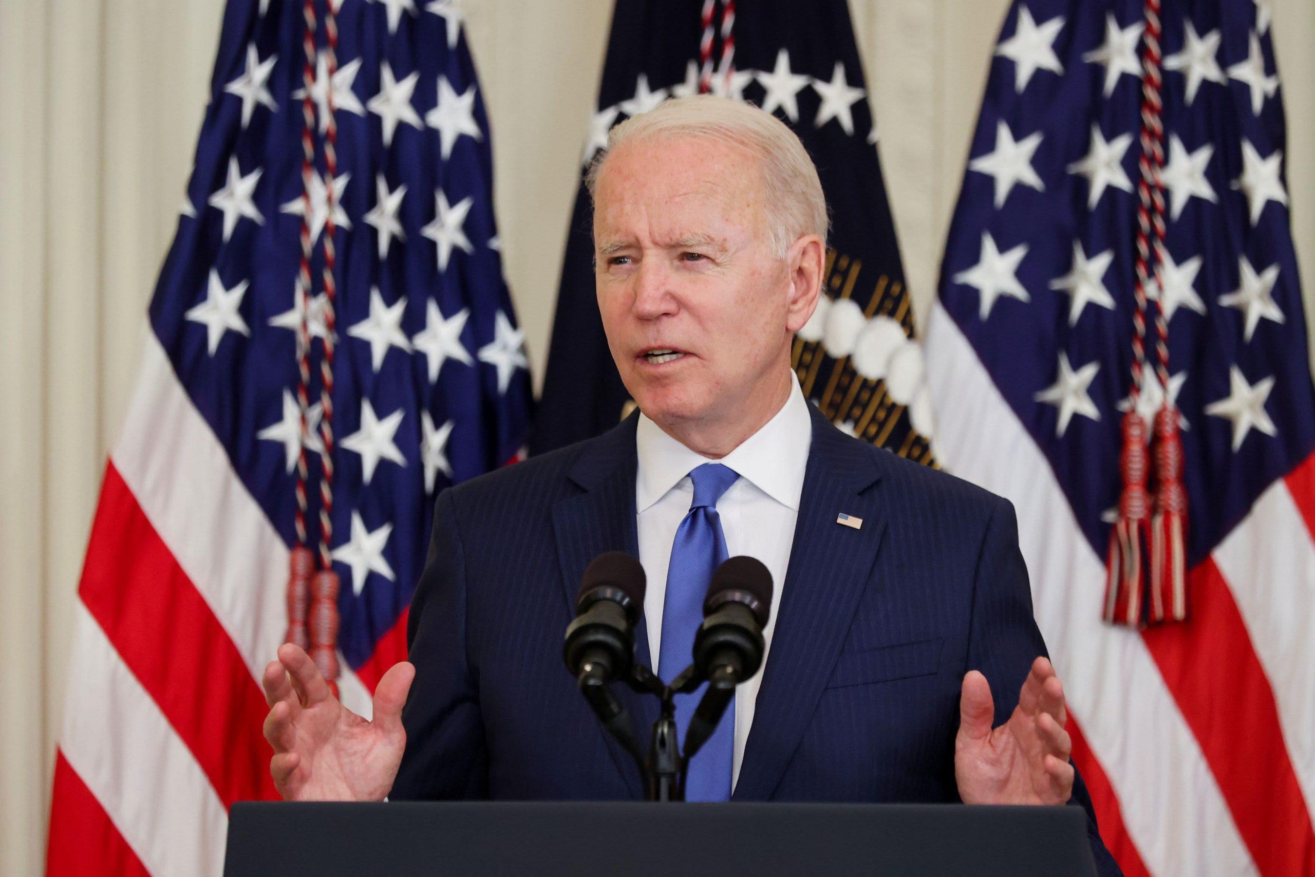 Biden reitera su apoyo al plan de infraestructura bipartidista, aclara que no emitió amenaza de veto