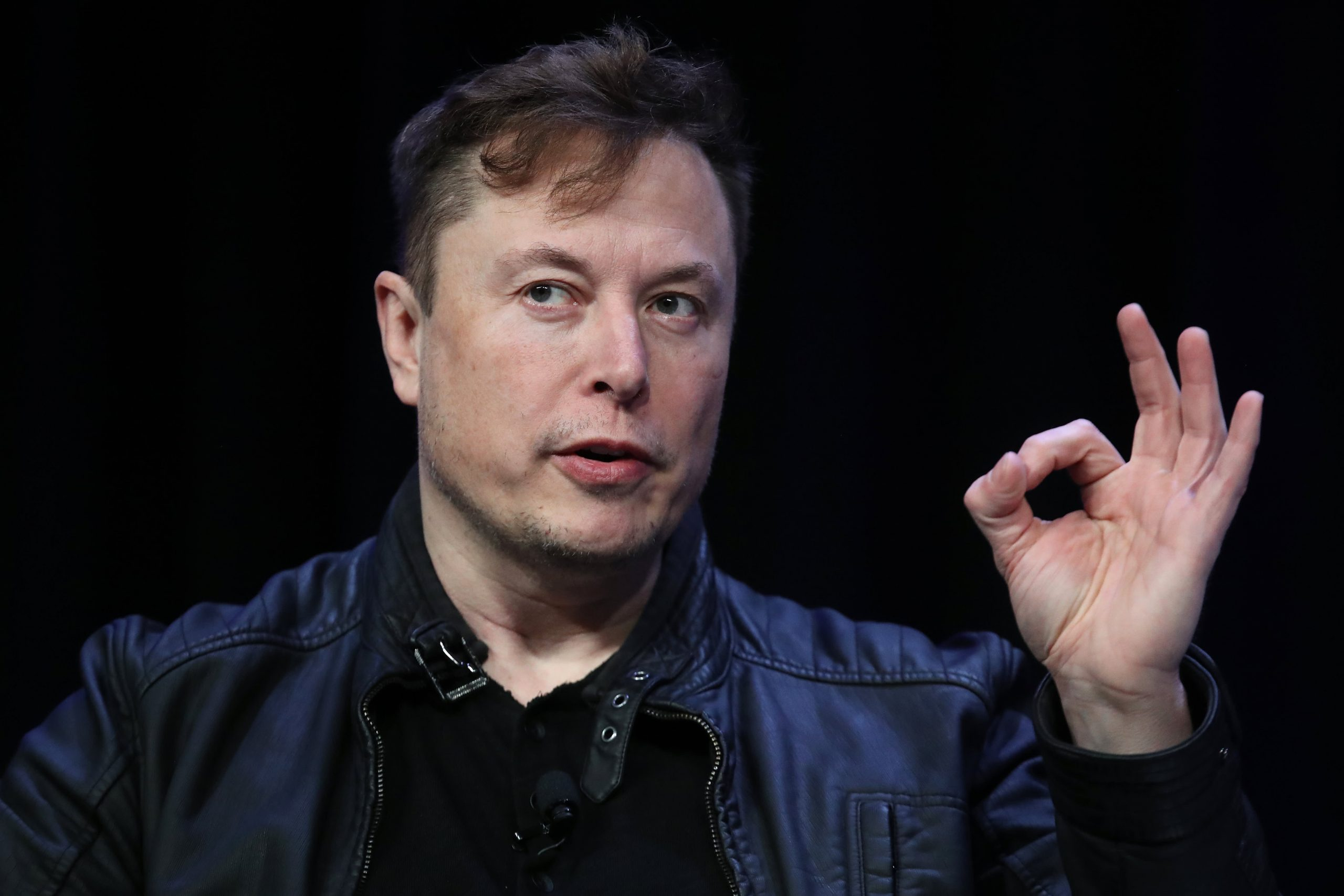 Bitcoin cae después de que Elon Musk tuiteó un meme de ruptura