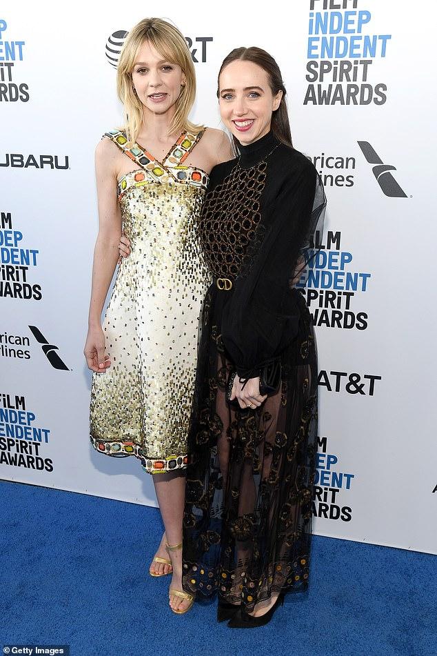 Investigadores: Según los informes, Carey Mulligan y Zoe Kazan están en conversaciones para protagonizar She Said, una película sobre los reporteros del New York Times que revelaron la historia de los escándalos sexuales de Harvey Weinstein.  Las actrices se ven juntas en 2019 arriba