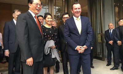 Un activista del Partido Comunista ha elogiado a Mark McGowan (en la foto en un viaje a Hangzhou, China) por arremeter contra Beijing y criticar la dura postura del gobierno federal sobre China.