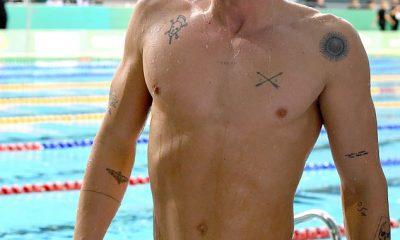 ¡El lo hizo!  El cantante Cody Simpson sorprendió al mundo de la natación australiano el jueves, clasificándose fácilmente para la Final de mariposa de los 100 metros en las Pruebas Nacionales de Natación en Adelaida.