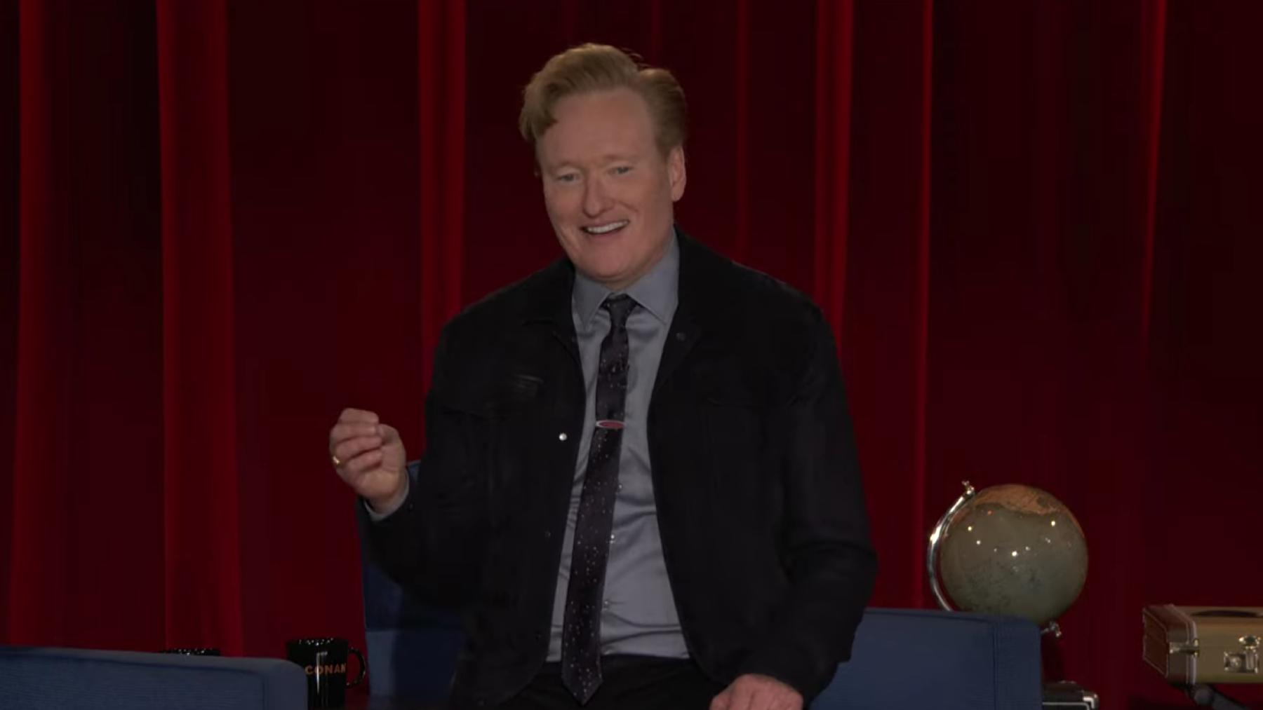 Conan O'Brien reflexiona sobre la alquimia de inteligente y estúpido en el último programa nocturno