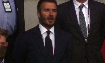 ¡Vuelve a casa!  David Beckham disfrutó de la competencia de este año desde las gradas, ya que hizo una aparición en el partido 'Batalla de Gran Bretaña' del viernes entre Inglaterra y Escocia, que tuvo lugar en el estadio de Wembley.