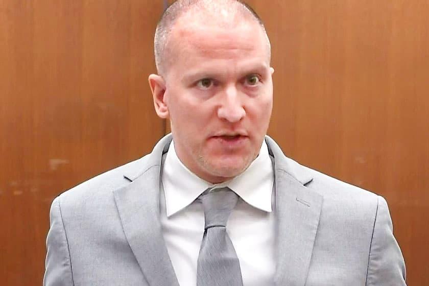 Derek Chauvin, ex policía de Minneapolis, condenado a 22,5 años de prisión por asesinato de George Floyd