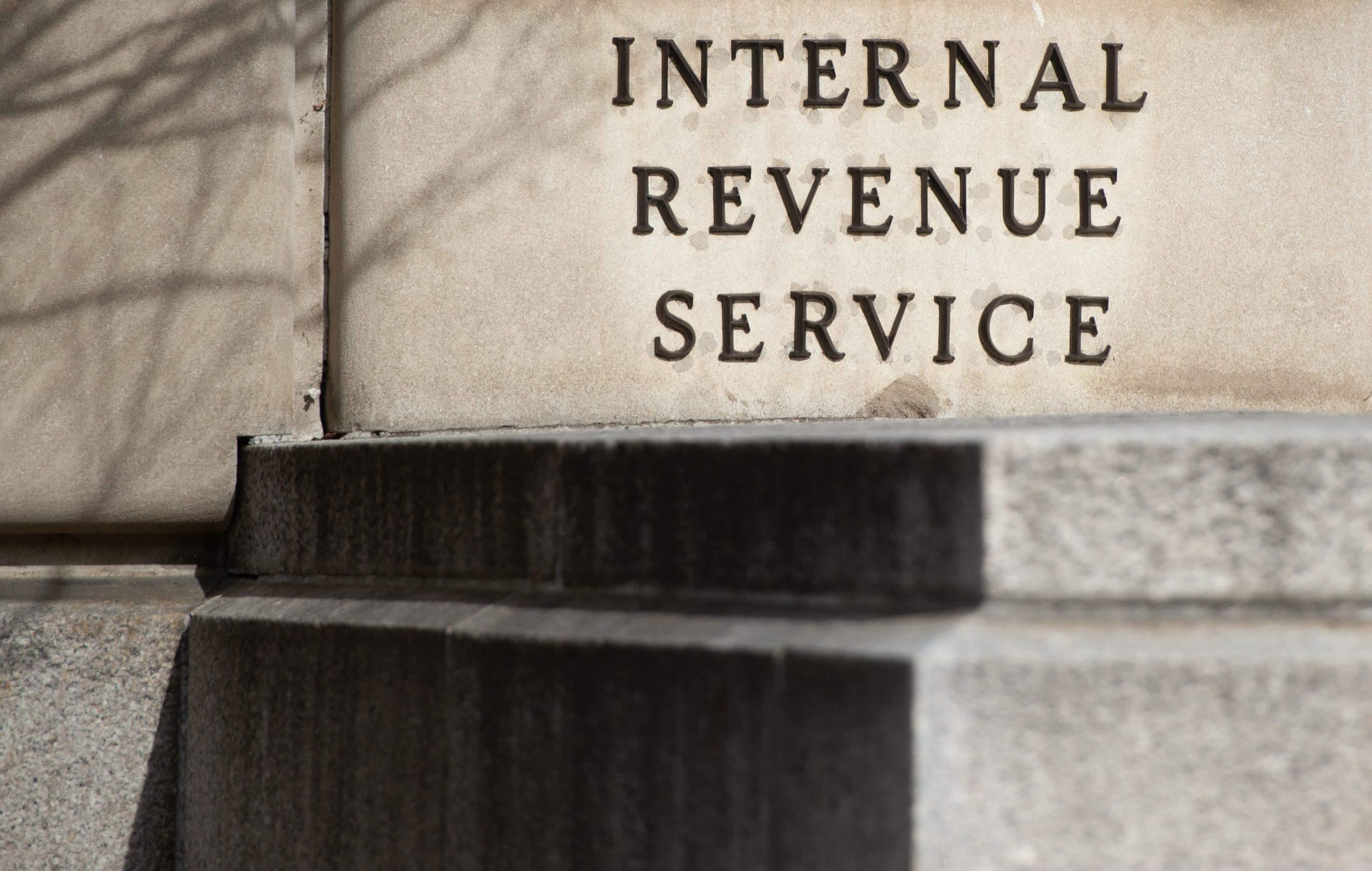 El Tesoro dice que la brecha fiscal se disparará a $ 7 billones durante la próxima década, pide un IRS reforzado