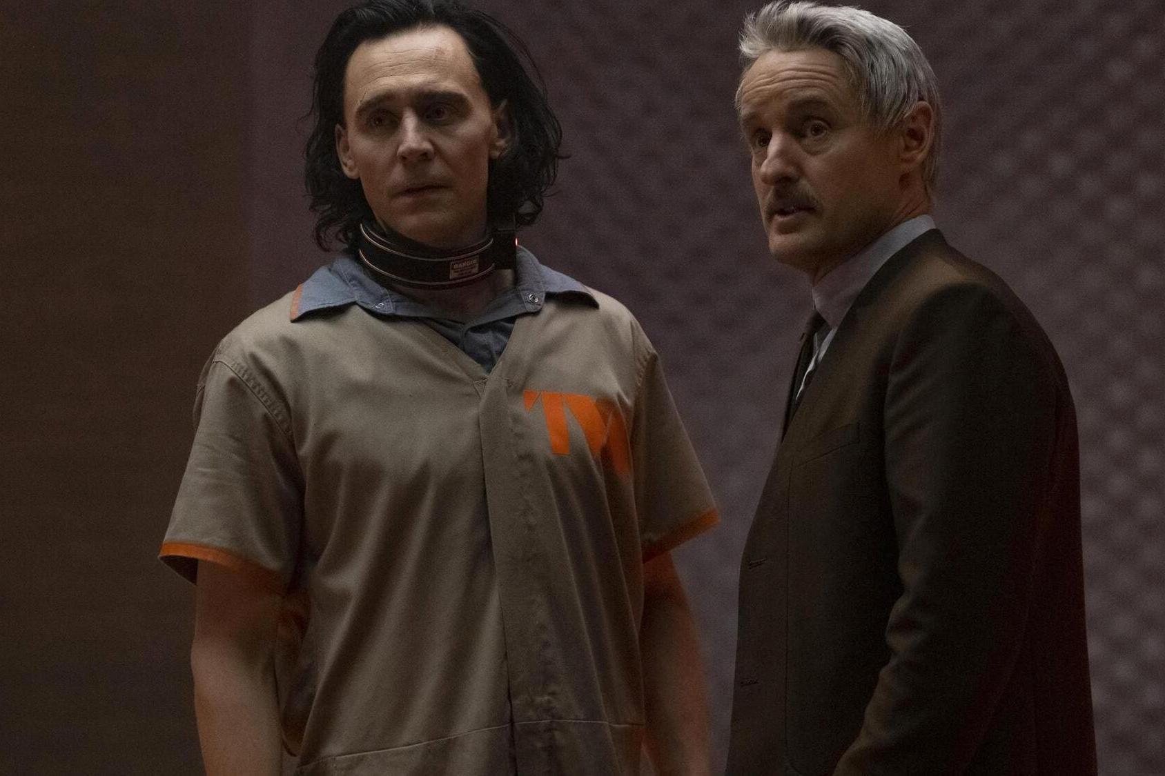 (L-R): Loki (Tom Hiddleston) and Mobius (Owen Wilson) in©Marvel Studios' LOKI, exclusively on Disney+