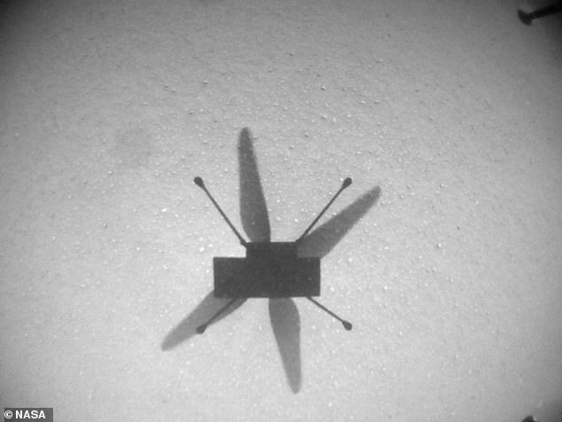 El helicóptero Ingenuity de la NASA realizó su séptimo vuelo exitoso en Marte, esta vez aterrizando en un aeródromo que solo había sido visto previamente por un orbitador de Marte.