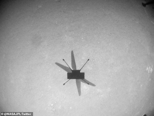 El helicóptero de 4 libras, que llegó a Marte en febrero junto con el rover Perseverance, voló 525 pies (160 metros) durante 77,4 segundos.
