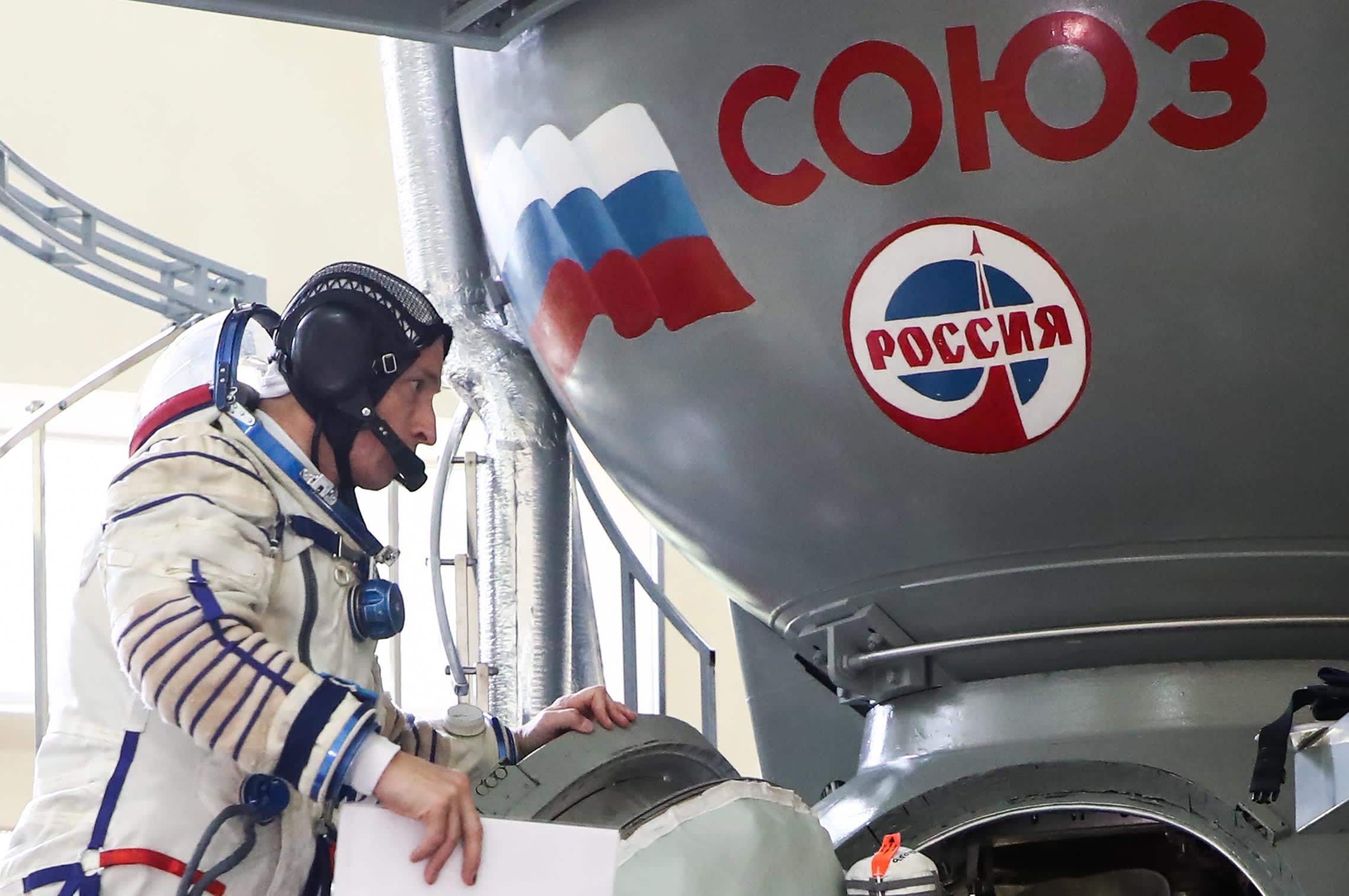 El jefe espacial de Rusia amenaza con abandonar el programa de la Estación Espacial Internacional a menos que Estados Unidos levante las sanciones