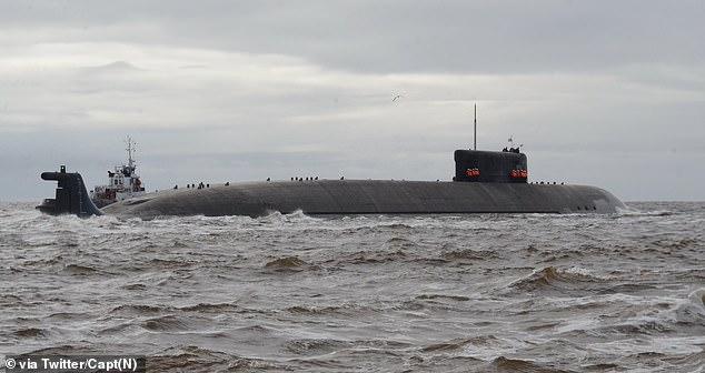 El nuevo submarino ruso Belgorod se lanza por primera vez desde el incidente con un barco británico en el Mar Negro