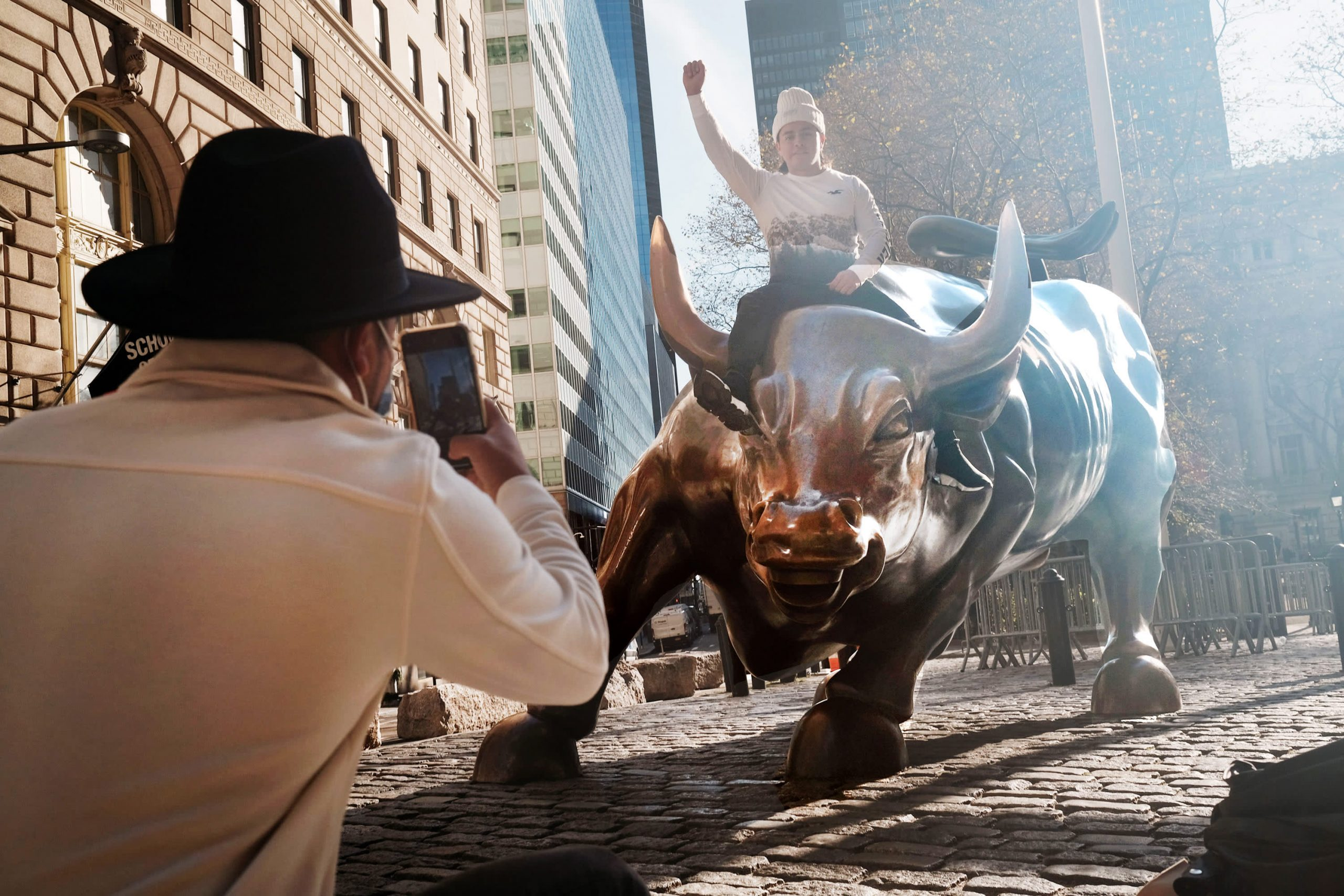 El patrimonio neto de los hogares sube a $ 136,9 billones, gracias a las grandes ganancias del mercado de valores