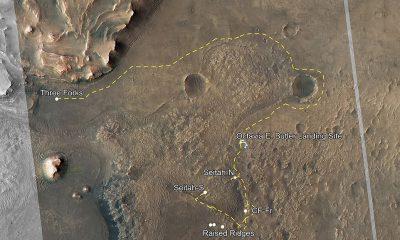 Esta imagen del cráter Jezero muestra las rutas de la primera campaña científica de Perseverance (marcas amarillas) y la segunda y la segunda (marcas amarillas claras).