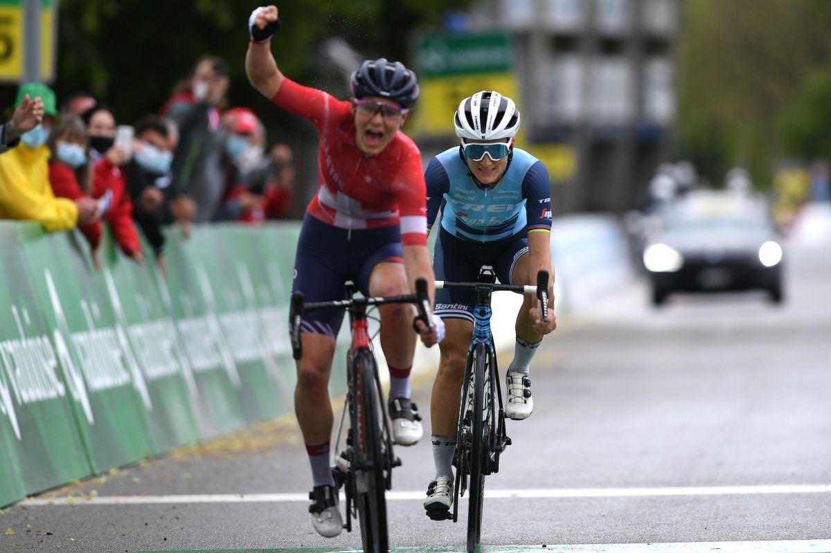 Elise Chabbey supera a Lizzie Deignan en el regreso del Tour de Suisse Femenino