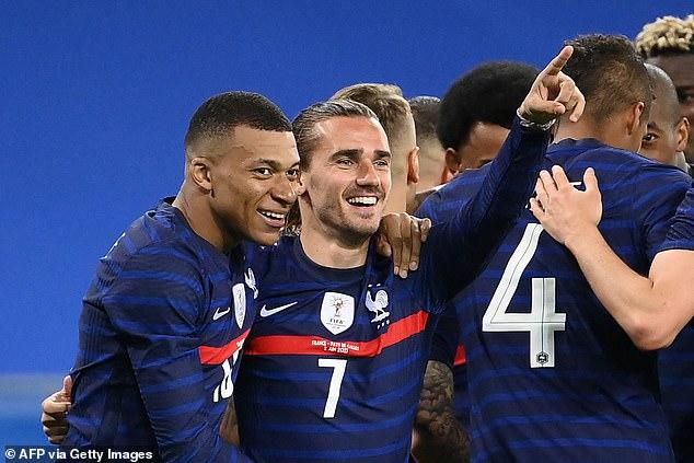 Francia es 'súper favorita' para ganar la Eurocopa, según Arsene Wenger