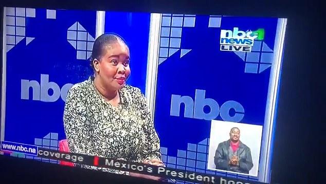 La mirada atónita de la presentadora de noticias Elmarie Kapunda dejó a los espectadores en puntadas y se ha vuelto viral en la web