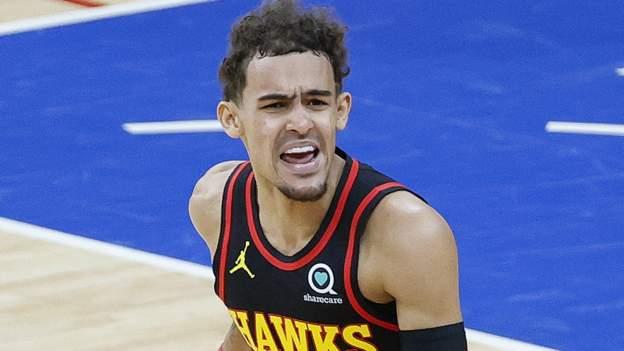 Jóvenes estrellas mientras los Hawks vencieron a los 76ers