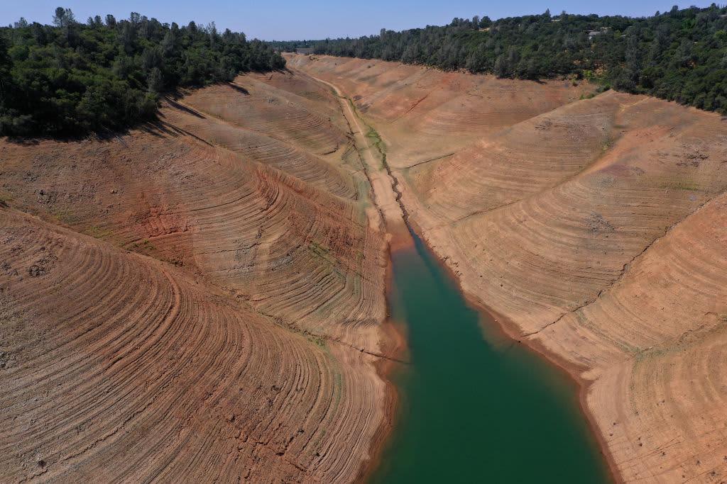 La EPA ampliará las protecciones del agua potable a las vías fluviales más pequeñas de EE. UU., Revirtiendo la política de Trump