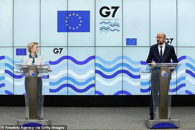 Ursula von der Leyen (izquierda) y Charles Michel (derecha) han dado el respaldo de la UE a una nueva investigación sobre los orígenes de Covid