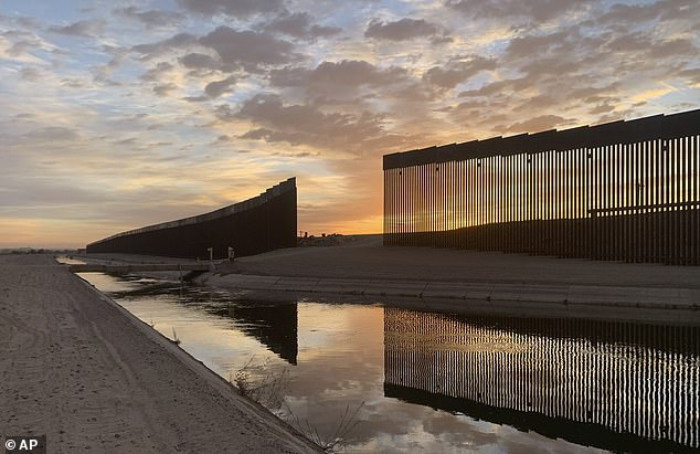 La OMB dijo que el muro de Trump costó hasta $ 46 millones por milla, y lo descartó como 'no una solución política seria o un uso responsable de los fondos federales'.  En cambio, devolverá $ 2 mil millones al Pentágono para gastar en su propósito original.