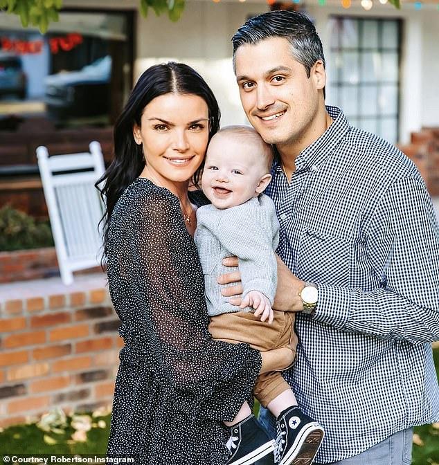 ¡Familia en crecimiento!  La alumna de licenciatura Courtney Robertson está embarazada de su segundo hijo con su esposo Humberto Preciado