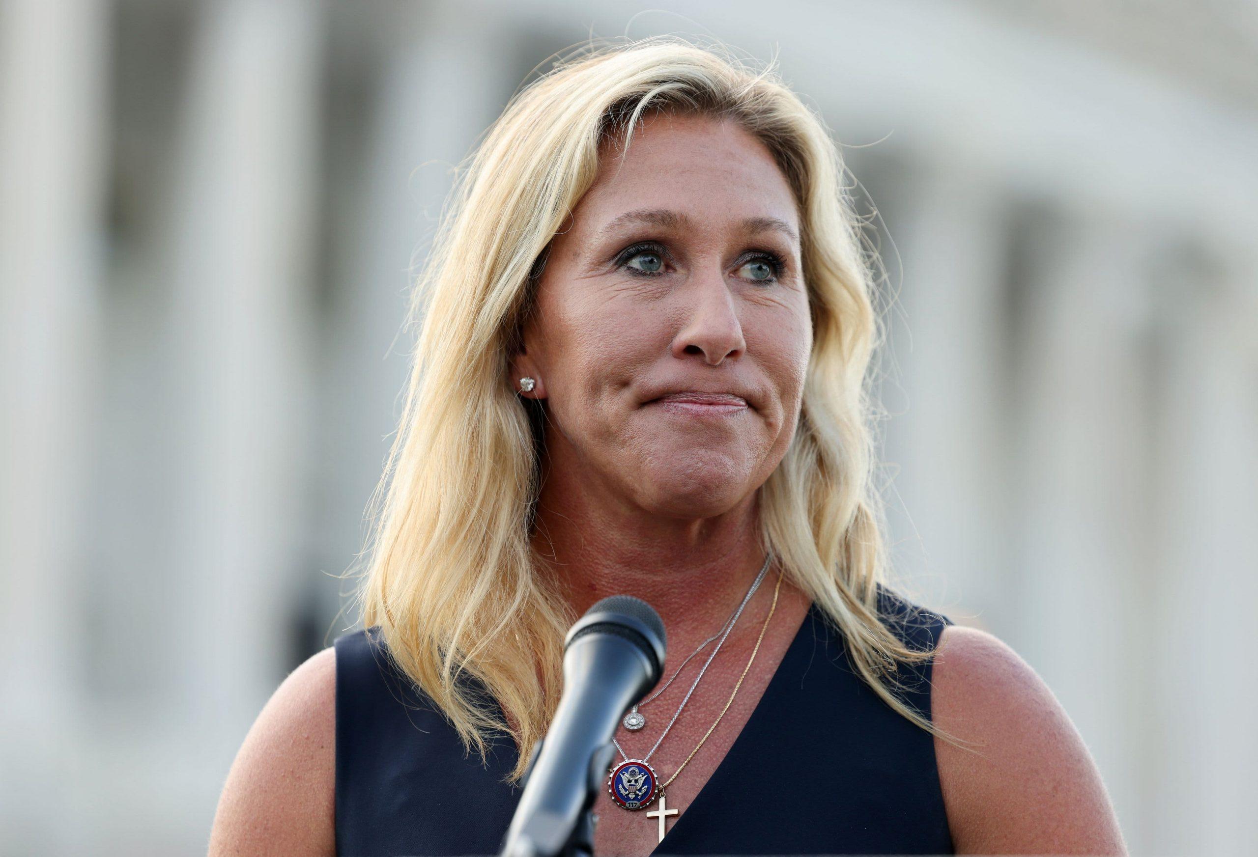 La representante Marjorie Taylor Greene se disculpa por los comentarios sobre el Holocausto mientras los demócratas avanzan hacia la censura
