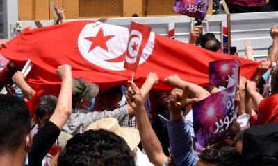 Las protestas contra los abusos policiales se extienden por la capital tunecina