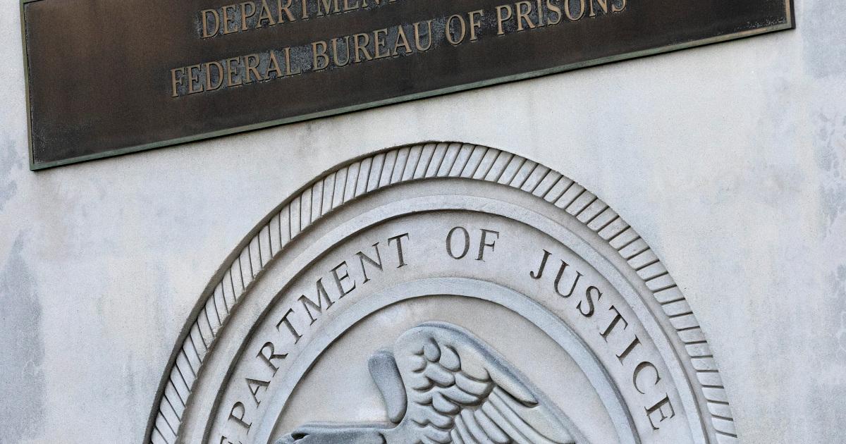 Los presos almacenan millones en cuentas con poca supervisión: Informe
