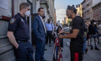 Los residentes del vecindario de élite de Greenwich Village en la ciudad de Nueva York se reunieron con el Departamento de Policía de Nueva York el miércoles para suplicar a la policía que tomara medidas sobre el caos y la anarquía en el icónico Washington Square Park de la ciudad.