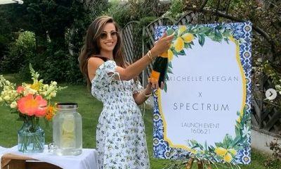 Ocasión: Michelle Keegan tomó una botella de champán y compartió una rara foto de Instagram con su madre Jacqueline el miércoles mientras celebraba el lanzamiento de su colaboración de belleza.