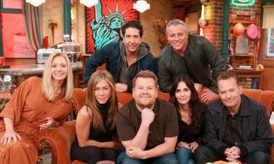 Mira a James Corden tras las cámaras de 'Friends: The Reunion'