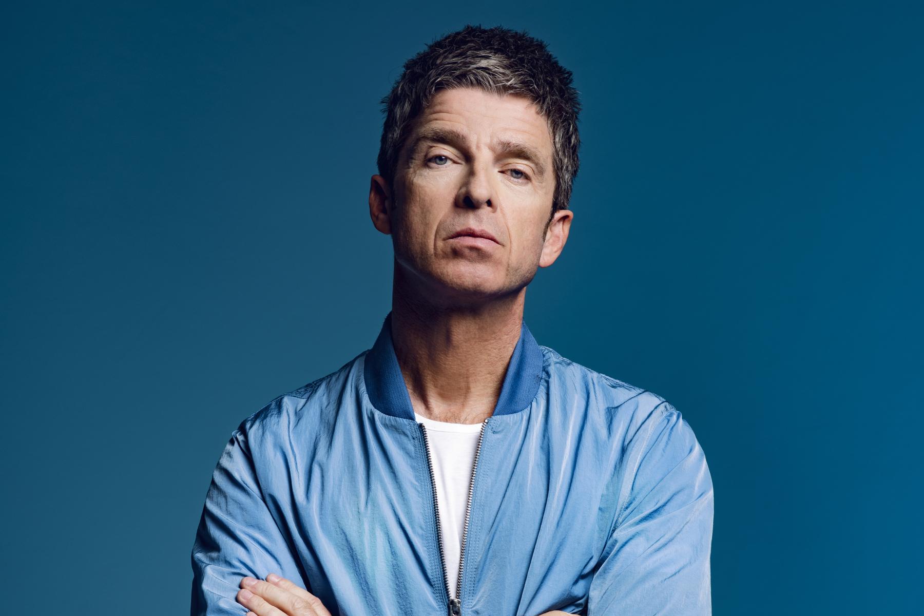 Mire el video de High Flying Birds 'Flying on the Ground' de Noel Gallagher