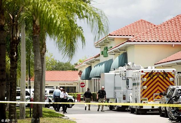 Un hombre disparó y mató a una mujer y a un niño pequeño dentro de un supermercado de Florida el jueves por la mañana antes de dispararse a sí mismo, según las autoridades.  La escena del crimen