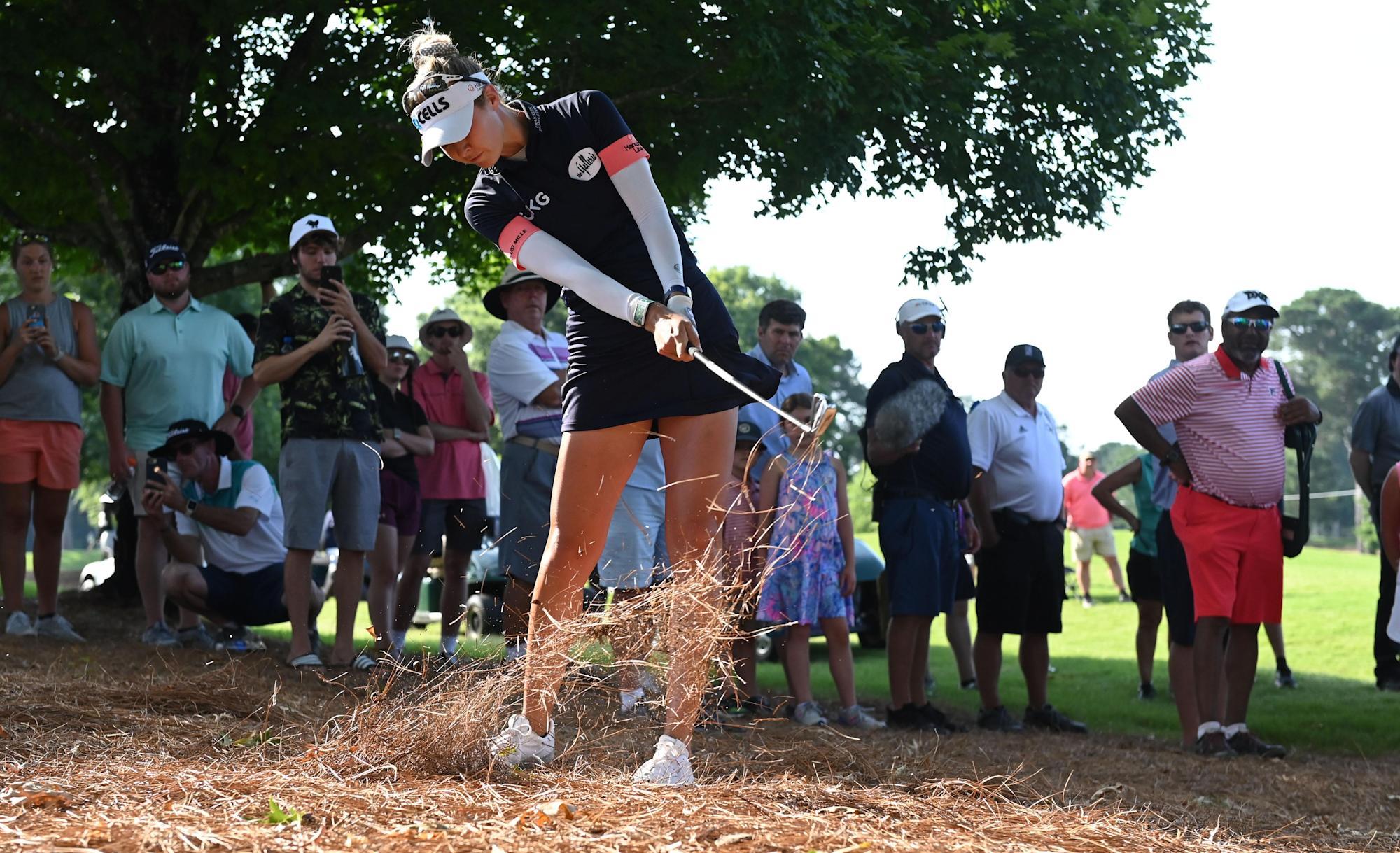 Nelly Korda cierra con seis birdies consecutivos, logra un récord de 63 para liderar la PGA femenina de KPMG
