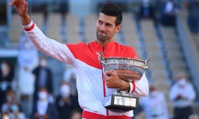 Novak Djokovic supera a Stefanos Tsitsipas en el Abierto de Francia para ganar el 19o major