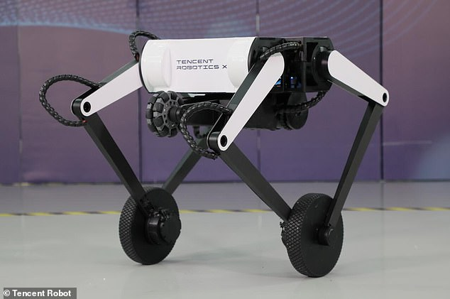 Tencent, que se refiere a Ollie como un 'robot novedoso con patas de rueda', dice que puede subir escalones de 16 pulgadas y tiene un salto vertical máximo de 24 pulgadas.