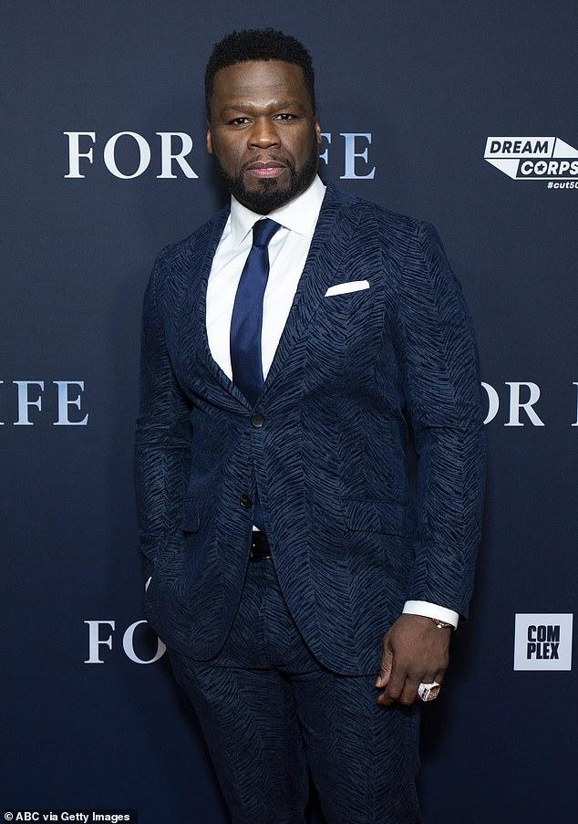 Tres hombres han sido acusados de robo con allanamiento de morada, conspiración para cometer robo, recibir propiedad robada y travesuras criminales en relación con un robo que ocurrió en uno de los lugares de negocios de 50 Cent en enero;  50 Cent en la foto