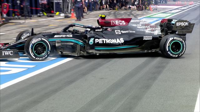 VER: Momento extraño en la práctica del GP de Estiria cuando Valtteri Bottas gira en el pit lane