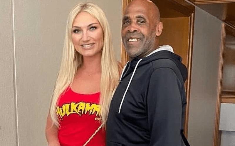 Virgil le cobró a Brooke Hogan $ 20 por una selfie