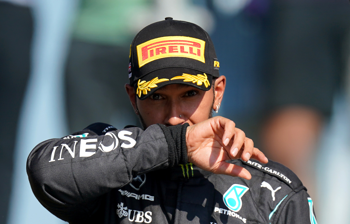 Calificación: Pole para Lewis Hamilton, bandera roja para Sainz